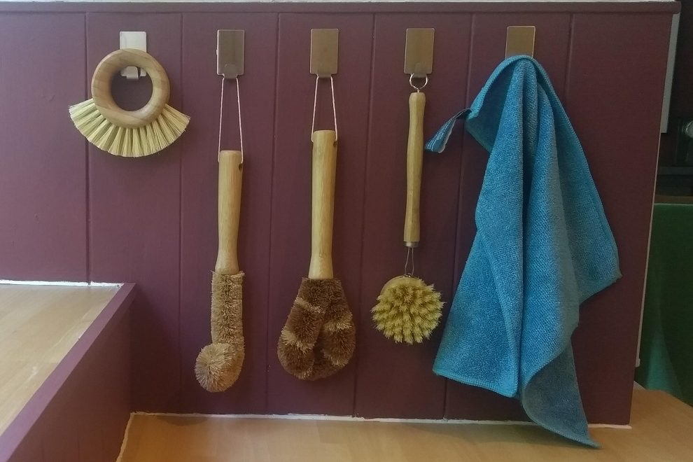 Wooden washing up brushes